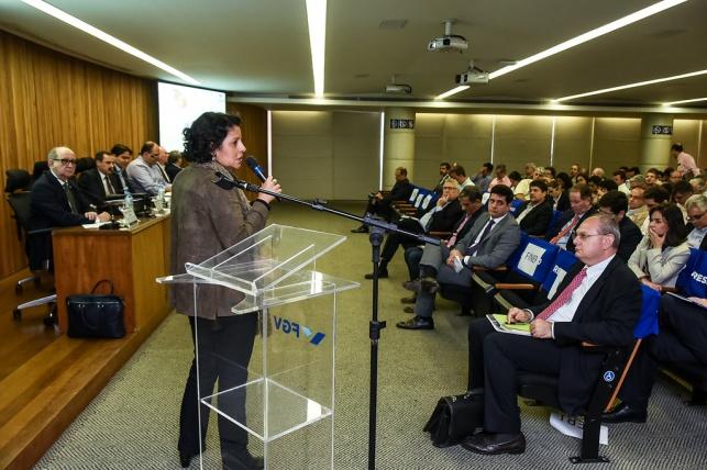 Claudia do Nascimento Martins – Associada e Membro da Associação Brasileira do Veículo Elétrico (ABVE)