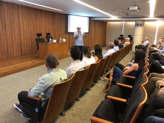Reinaldo Castro Souza (PUC-Rio) - 18/01/2018