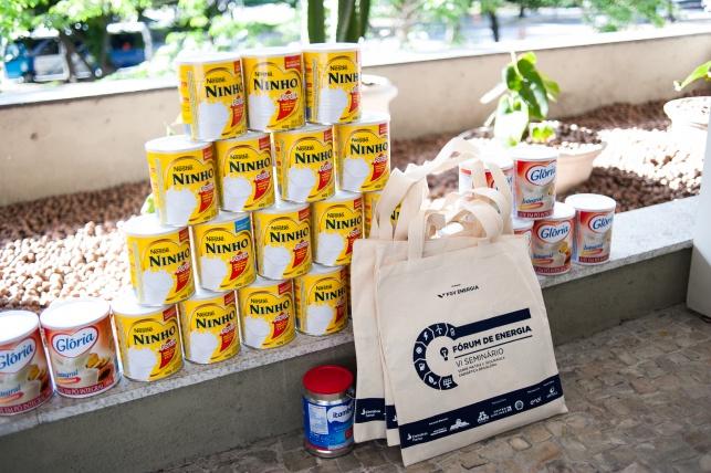 Doações de leite em pó arrecadadas no evento
