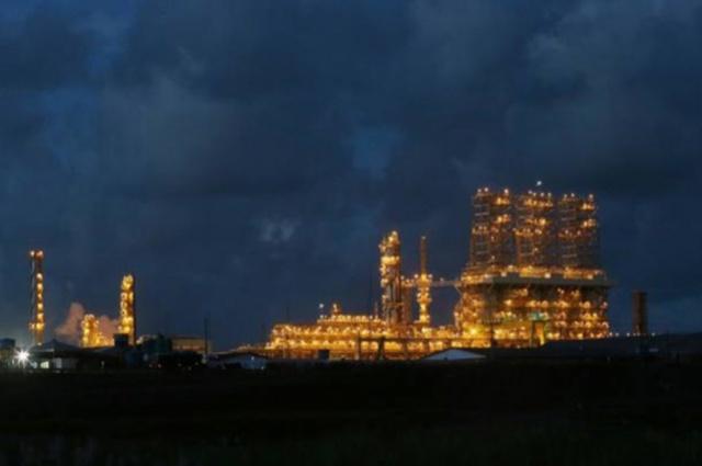 Envolvida na Lava Jato, refinaria de Abreu e Lima teve as obras paralisadas Foto: Alex Silva/Estadao