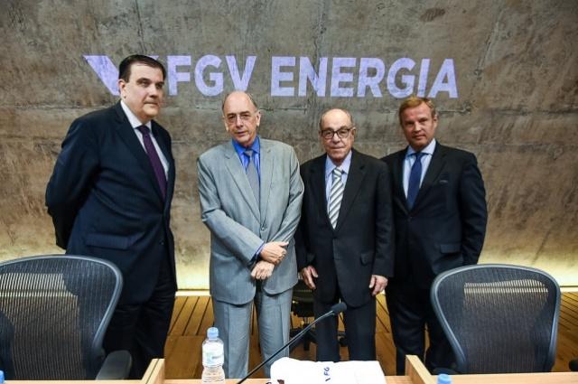 Presidente da FGV, Professor Carlos Ivan, presidente da Petrobras, Pedro Parente, vice-presidente da FGV, Sérgio F. Quintella e diretor executivo da FGV Energia, Carlos Otavio Quintella