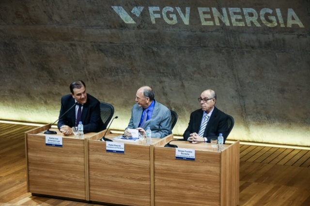 Presidente da FGV, Professor Carlos Ivan, presidente da Petrobras, Pedro Parente e vice-presidente da FGV, Sérgio F. Quintella